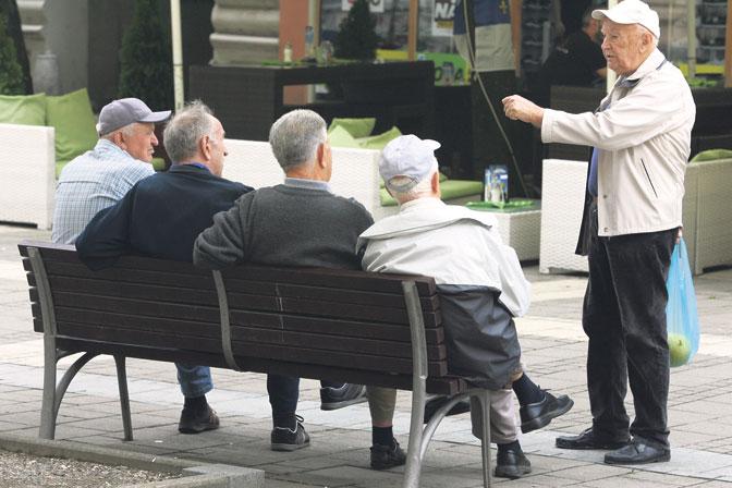 784221-okolu-20-000-penzioneri-ke-ostanat-bez-penzija-zaradi-eurostandard-banka
